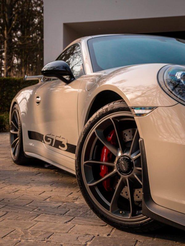 PorscheGT3Clubsport-6